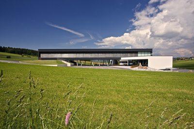 Loxone Basecamp - Sídlo společnosti Loxone v Rakousku