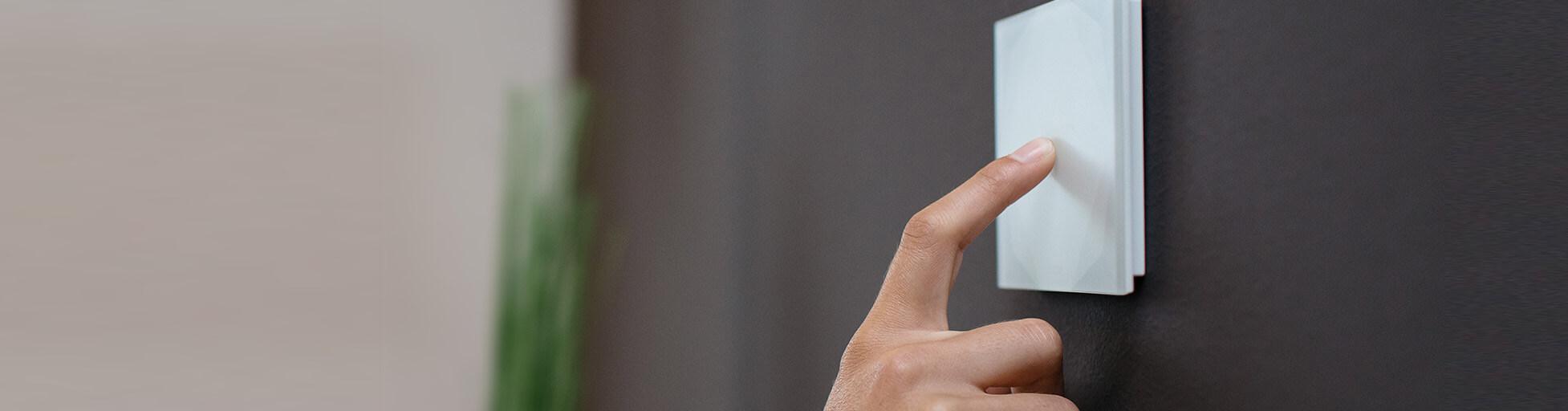 Chytré tlačítko Touch Pure od Loxone Smart Home