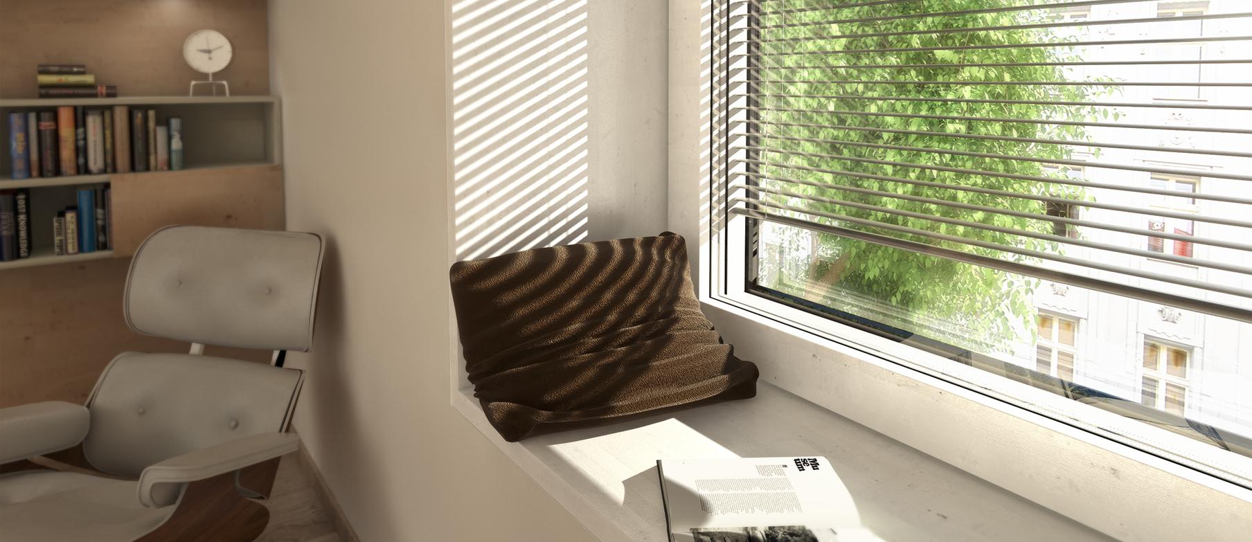 Zátiší u okna s žaluziemi