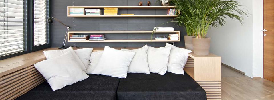 Obývací pokoj s polštářema
