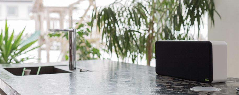 PH_loxone-wall-speaker-in-kitchen