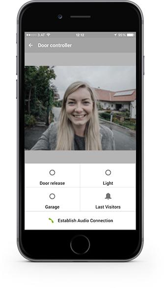 Kontrola vstupních dveří pomoci videozvonku Loxone Intercom v aplikaci Loxone