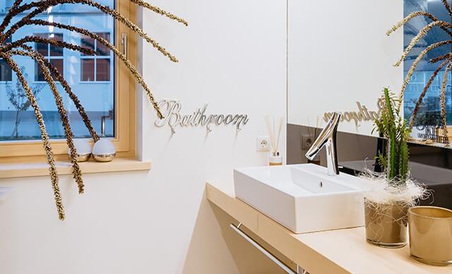 inteligentní koupelna v pasivním domě se systémem Loxone