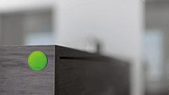 NFC Smart Tag na skříni