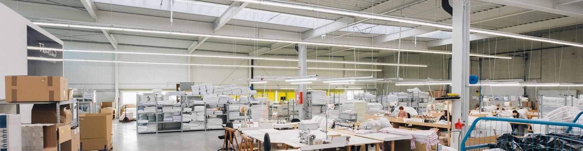 výrobní hala firmy Traumeland řízená systémem pro chytré budovy