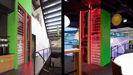 zelená věž - průhledný rozvaděč obsahující všechny technologie loxone smart home
