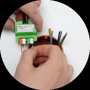 připojování kabelů k Nano 2 Relay