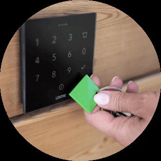 Použití NFC přívěsku pro přístupový systém
