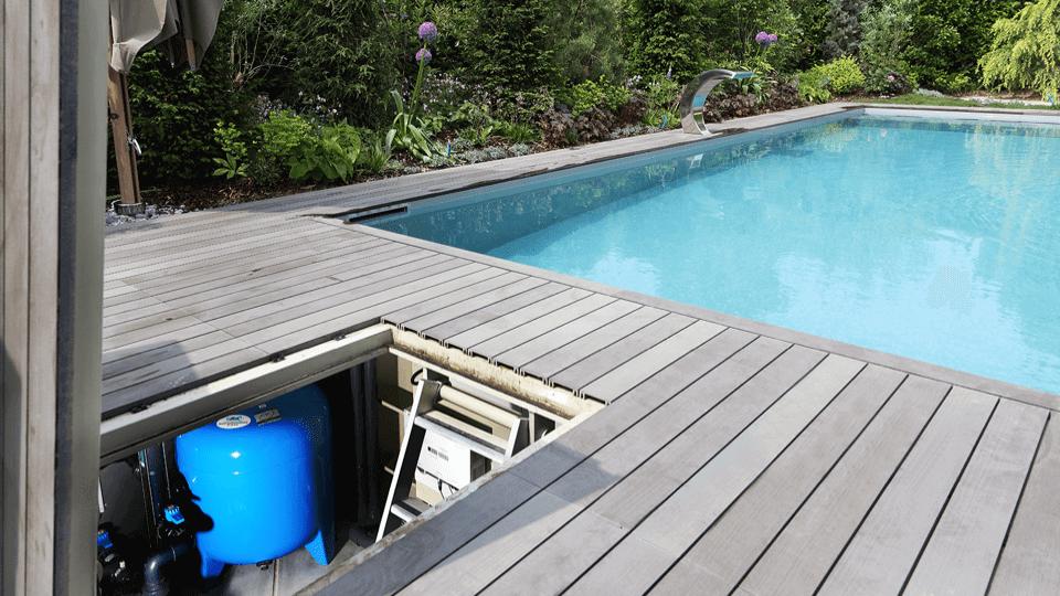 Pool mit Filteranlage