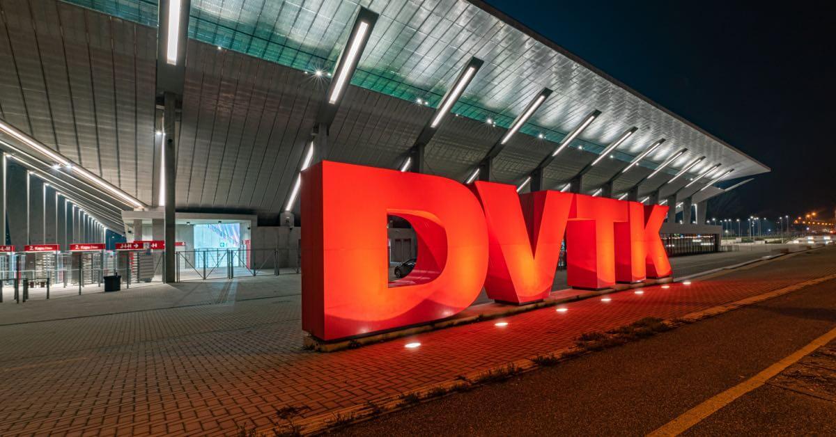 Venkovní osvětlení ovládané inteligencí Loxone - Fotbalový stadion DVTK