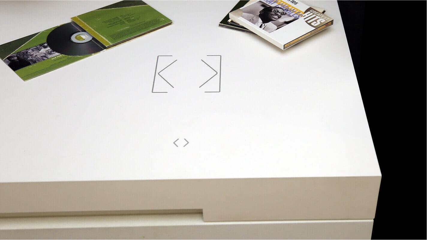 Dotykové tlačítko jako součást pracovní desky
