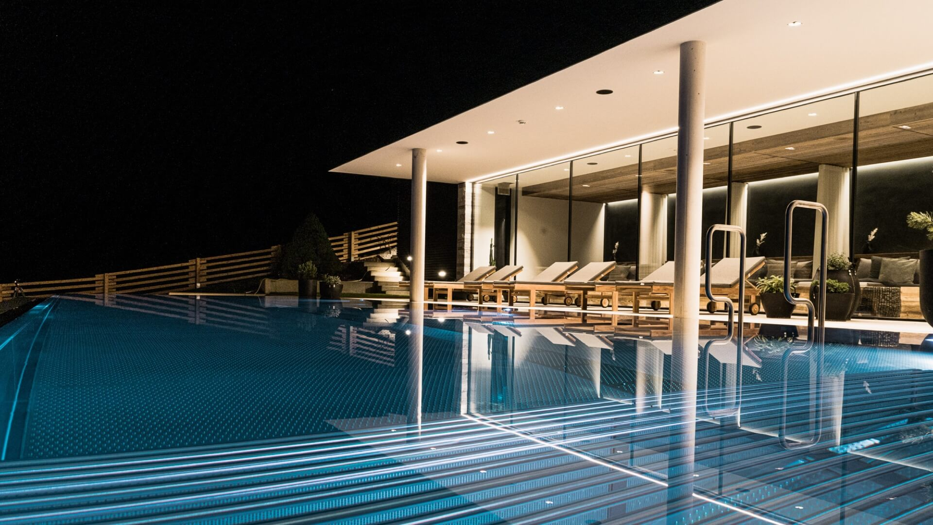 Chytrý hotel Sonnhof - venkovní bazén