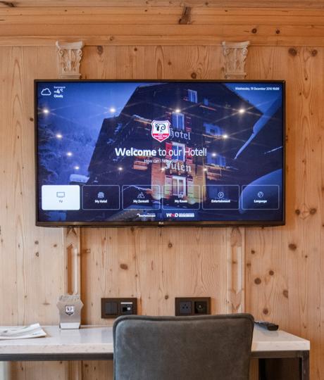Televize v pokojích hotelu Julen