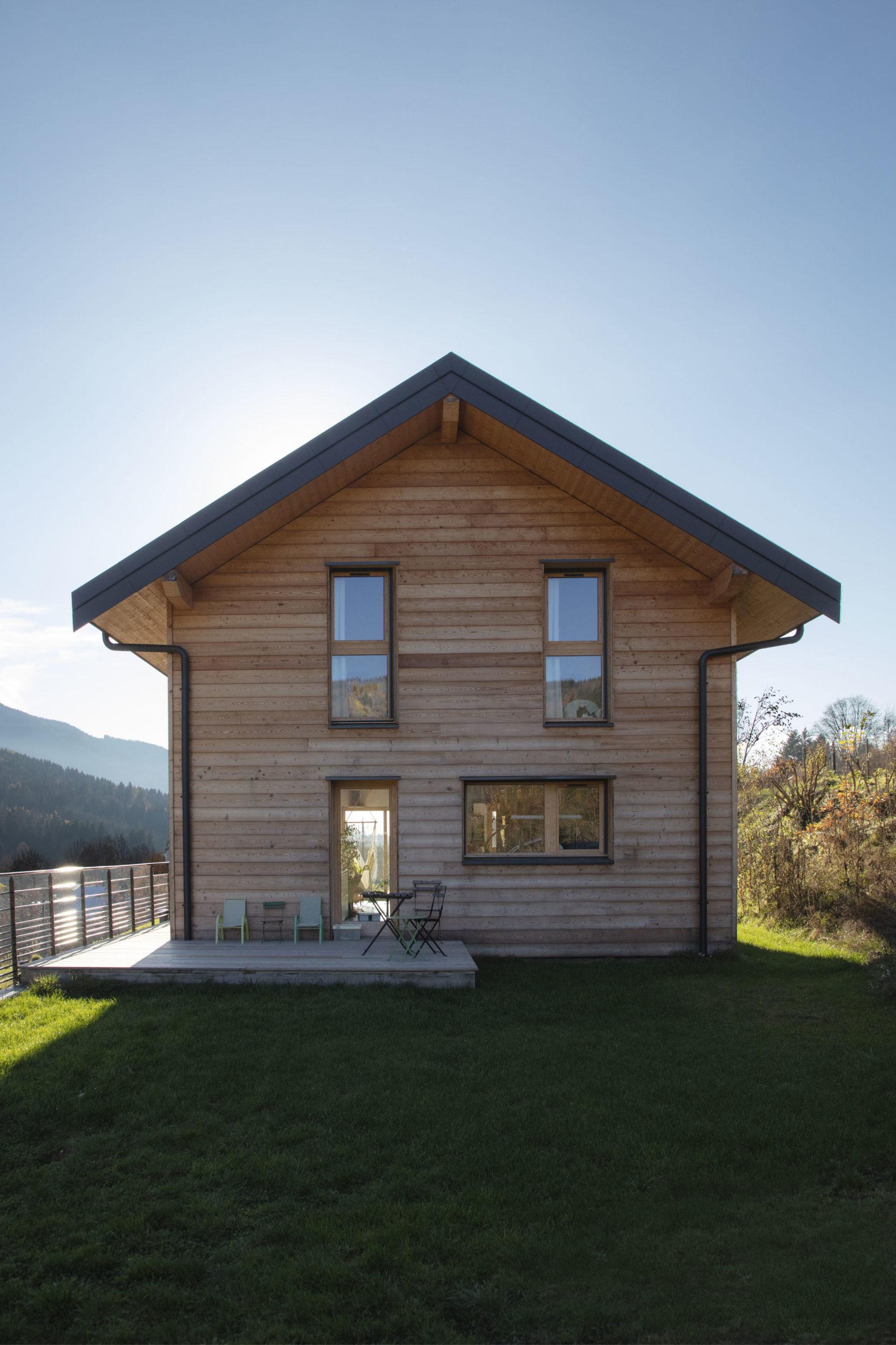 Soběstačný dřevěný dům