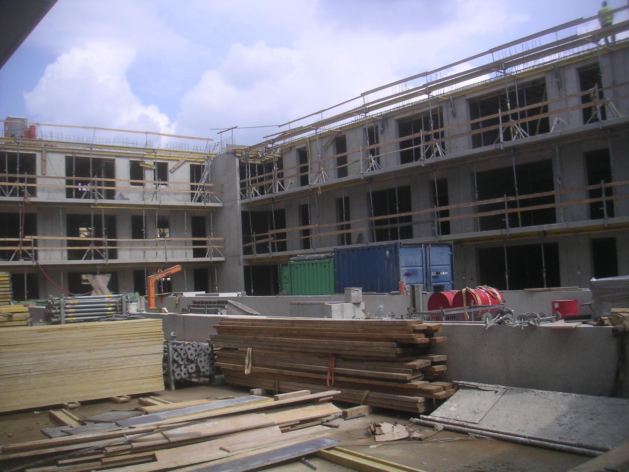 Stavba pokračuje