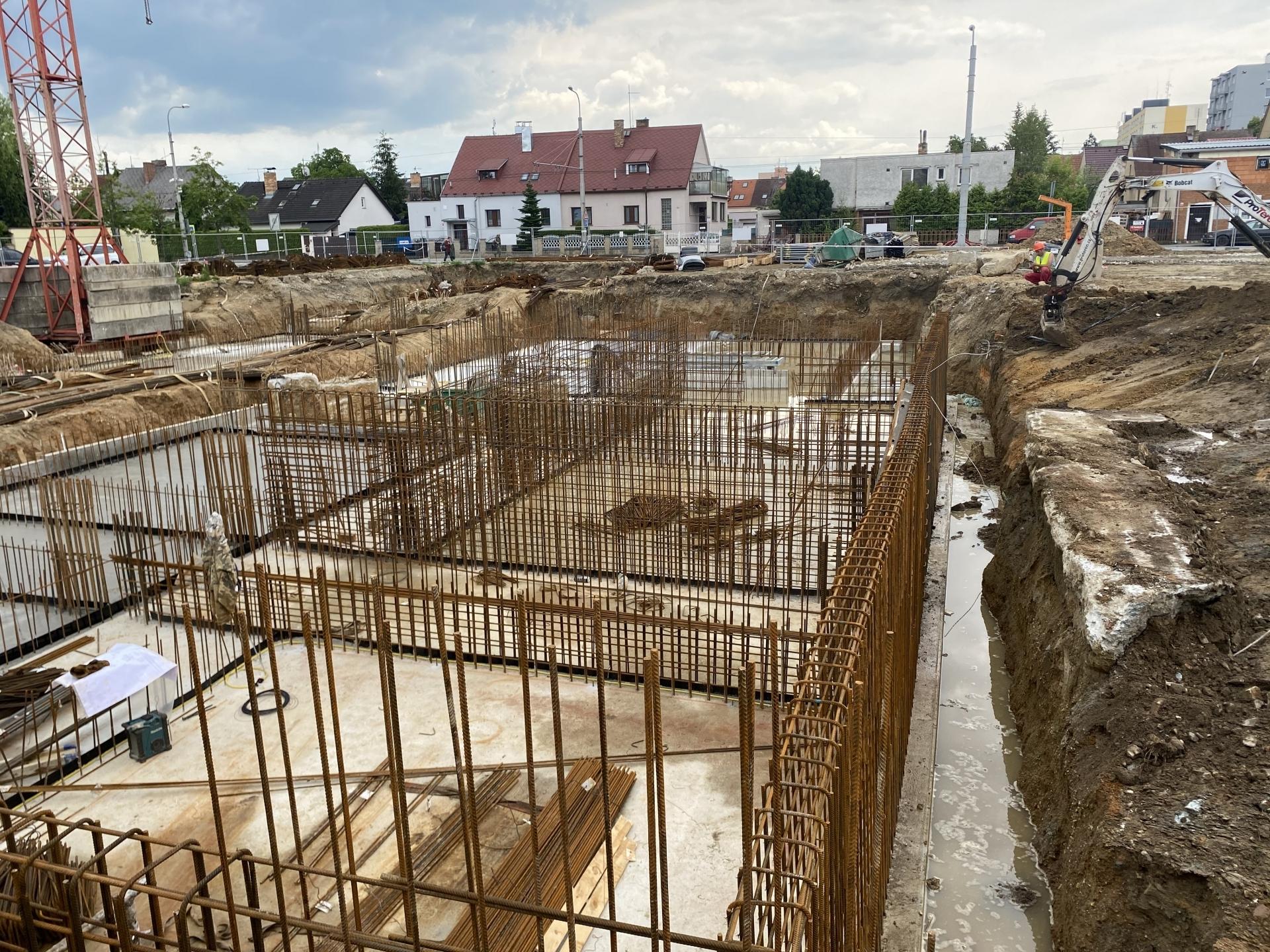 Stavba v červnu 2020
