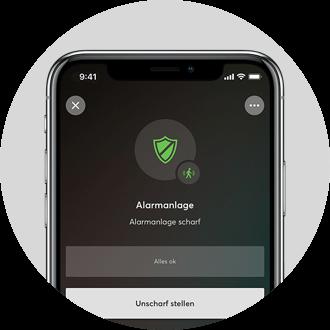 Smartphone mit Loxone App - mit der App haben Sie den Status der Alarmanlage jederzeit griffbereit