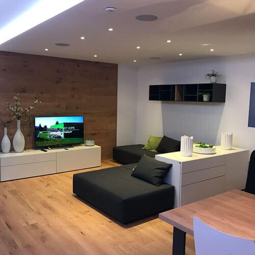 loxone erleben entdecken sie das loxone smart home hautnah. Black Bedroom Furniture Sets. Home Design Ideas