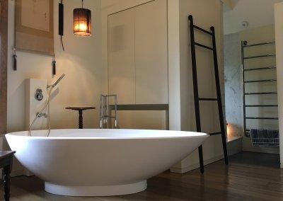 Whistlers Barn - Bathrub
