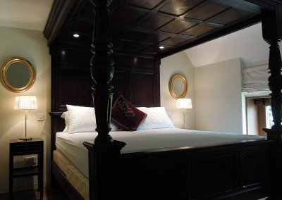 Whistlers Barn - Bed