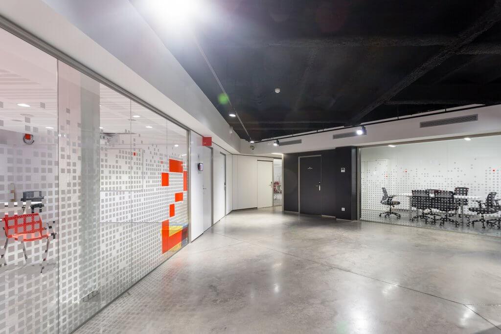 PH_Rot-Kreuz-Eingangsbereich