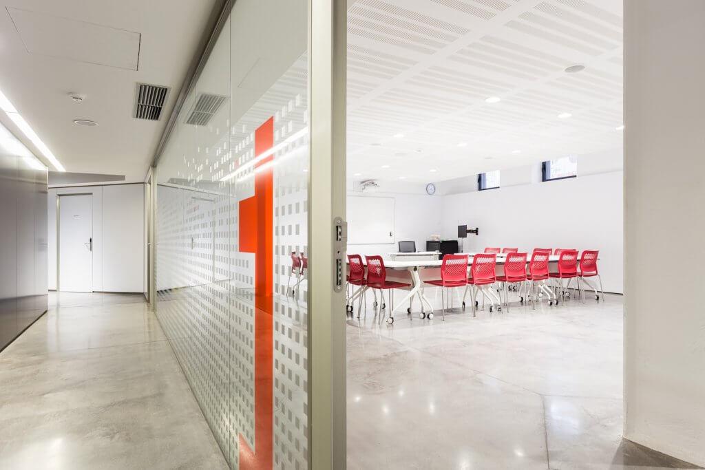 PH_Rot-Kreuz-Trainingsraum-Eingang