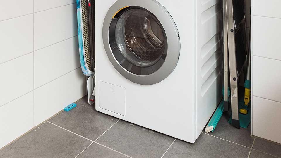 Wohnformen für Menschen mit Behinderung Loxone Wassersensor Waschmaschine