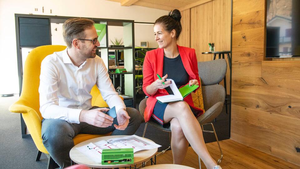 Stolze Loxone Flagship Partner: Florian und Sabine Eisenprobst
