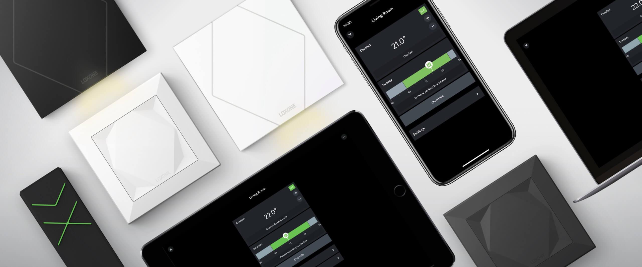 Loxone Produkte und Mockups der Loxone App