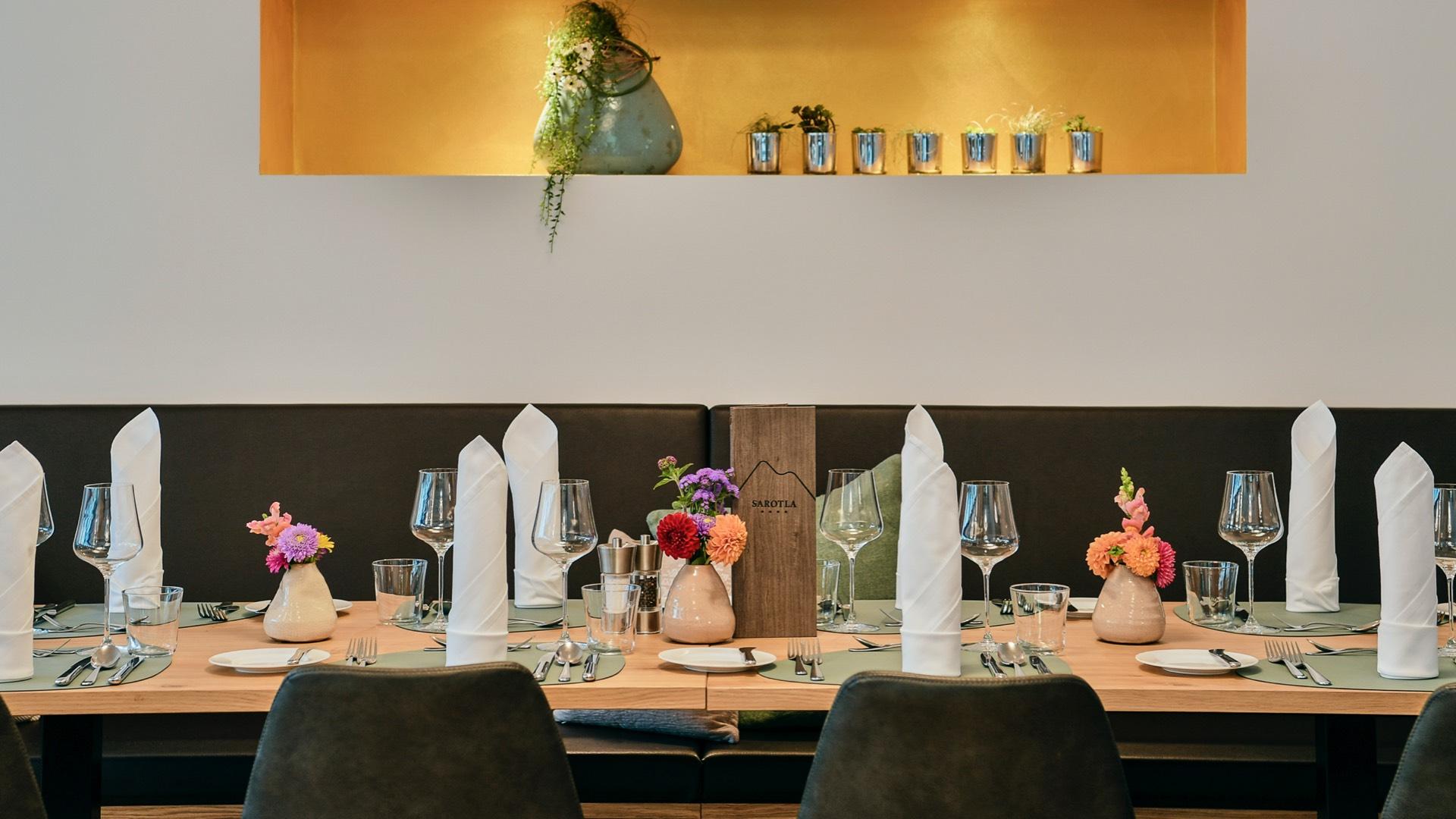 Hotel Sarotla - Restaurant