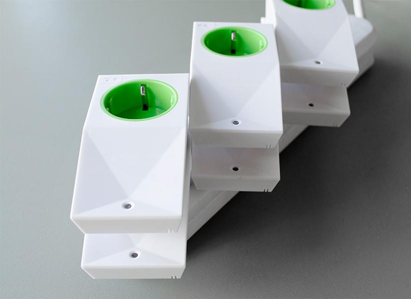 Wireless plugs