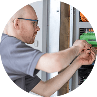 EN_Photo_Circle_Jim_YouControl - Loxone Smart Home Automation UK