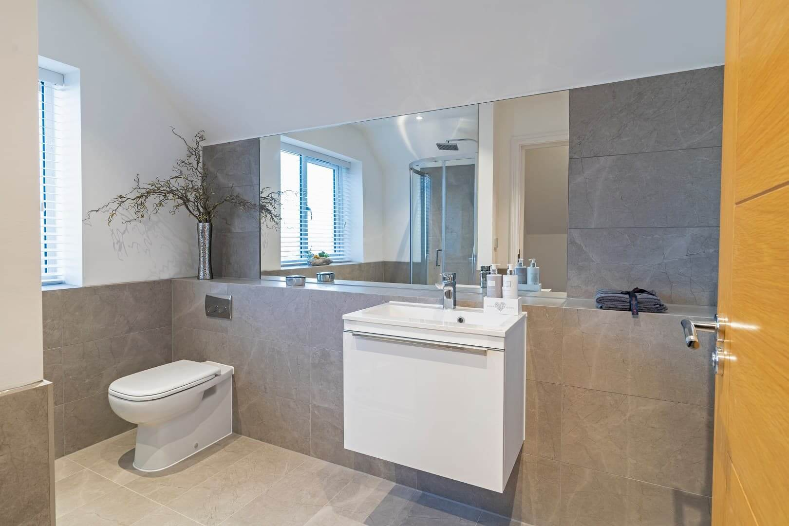 The_Ridings_bathrooms-1