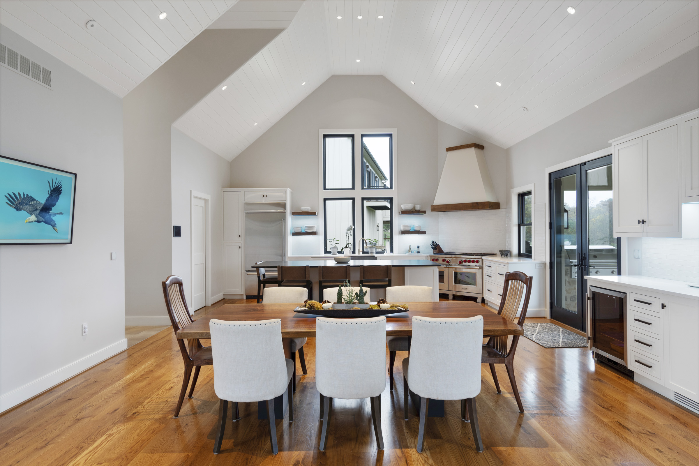 Bright dining area with LED Spots