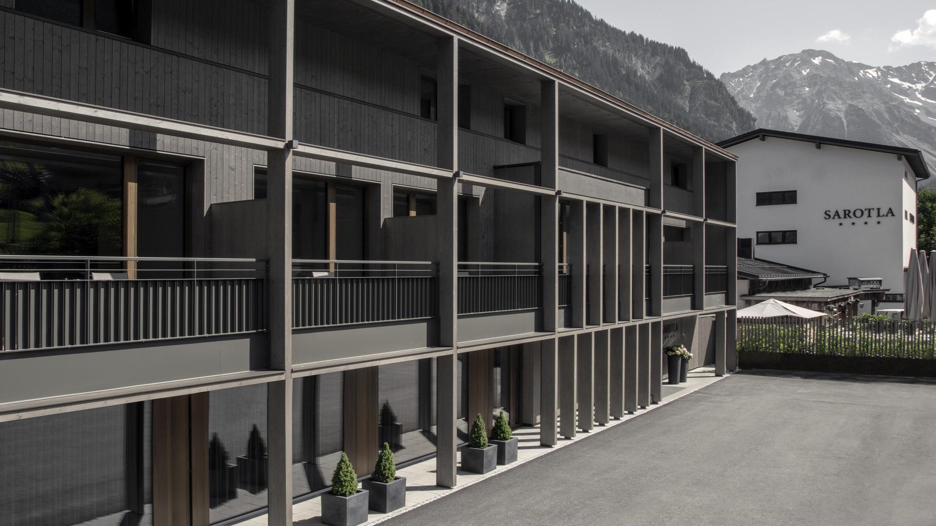 Hotel Sarotla - Frontansicht