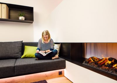 EN_Photo_showhome_fireplace_reading