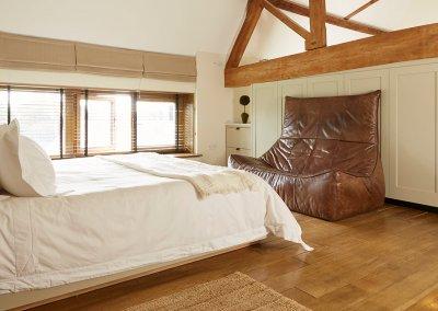 EN_FS_CS_Photo_Whistlers-Barn_Bedroom