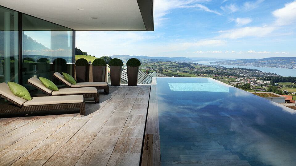 Woodtli luxury infinity pool