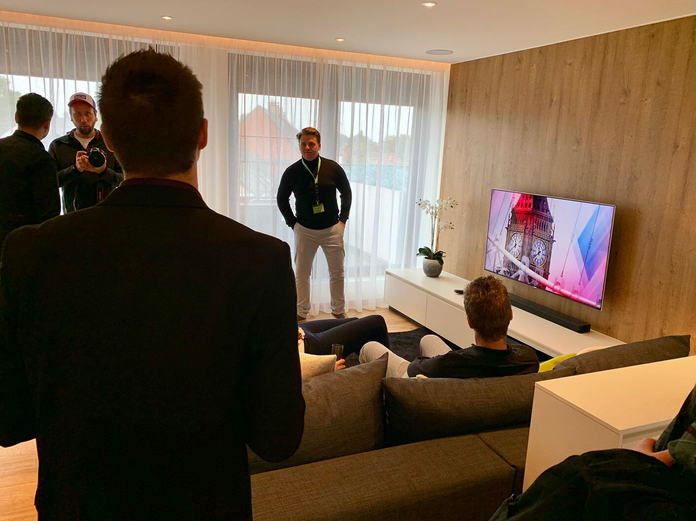 Smart home tour in showhome.