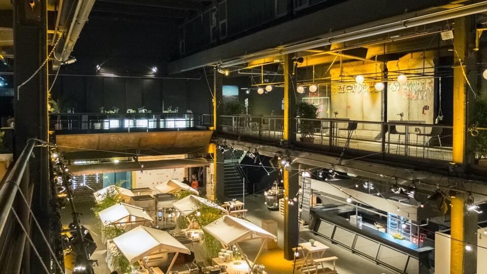 Upper level with high ceilings in Motorwerk Berlin