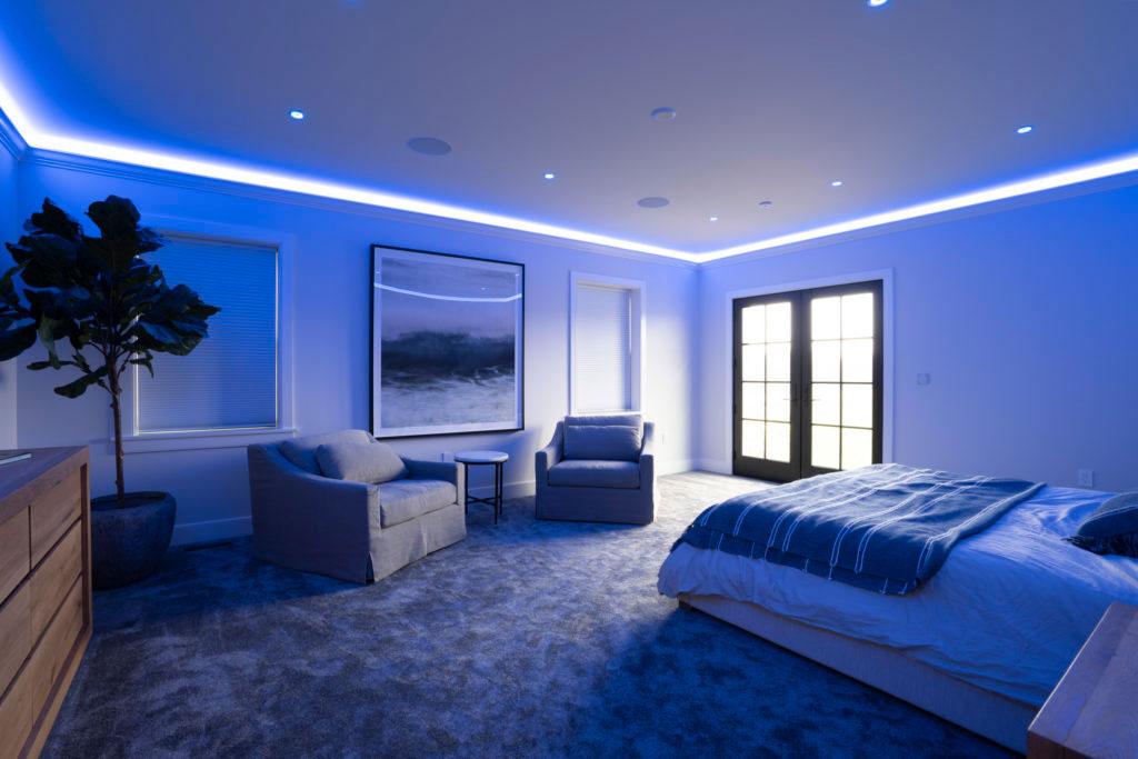 Smart home night mode lighting
