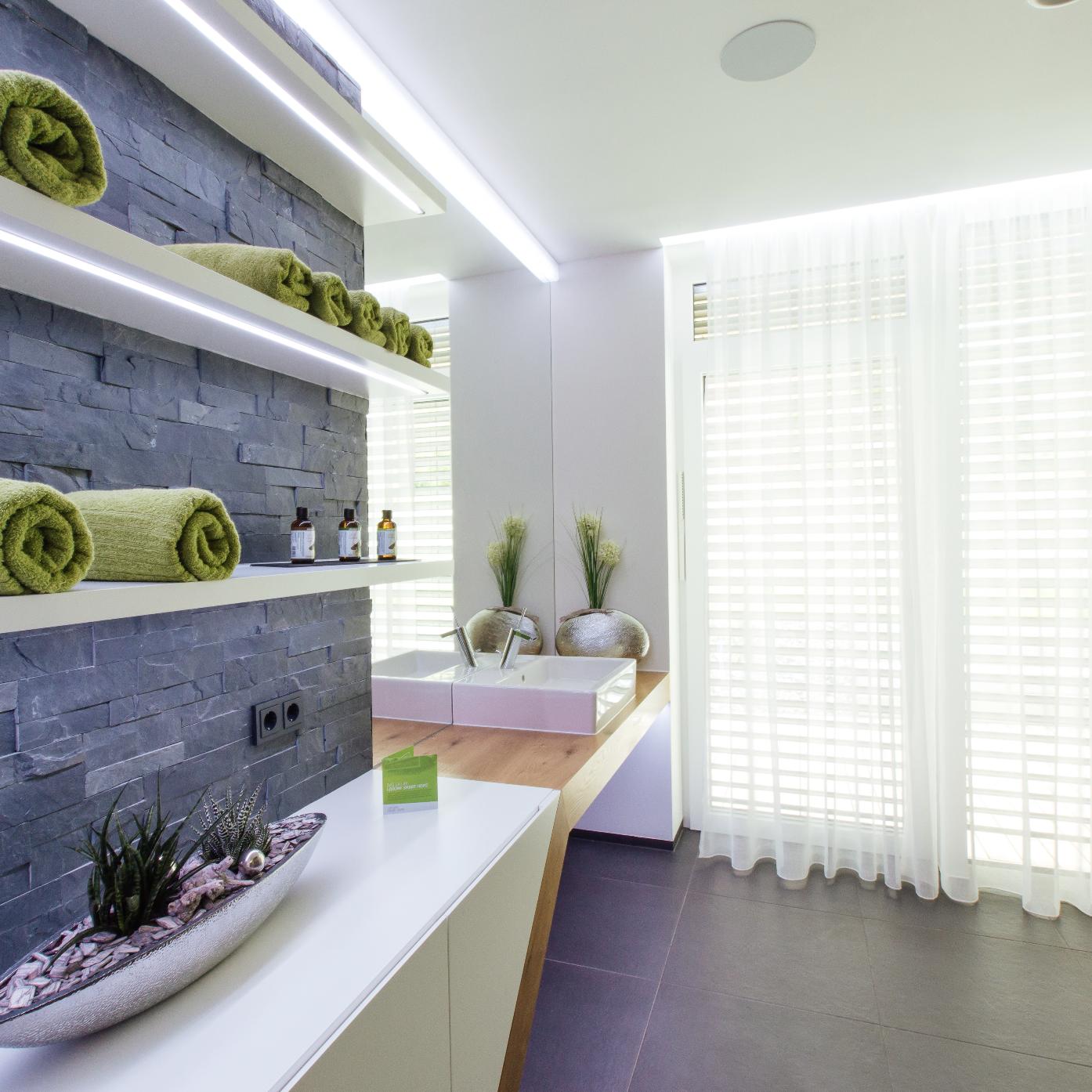 quelle puissance éclairage pour lumière parfaite salle de bain