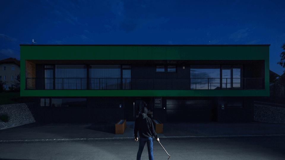 PH_gallery-burglar-01