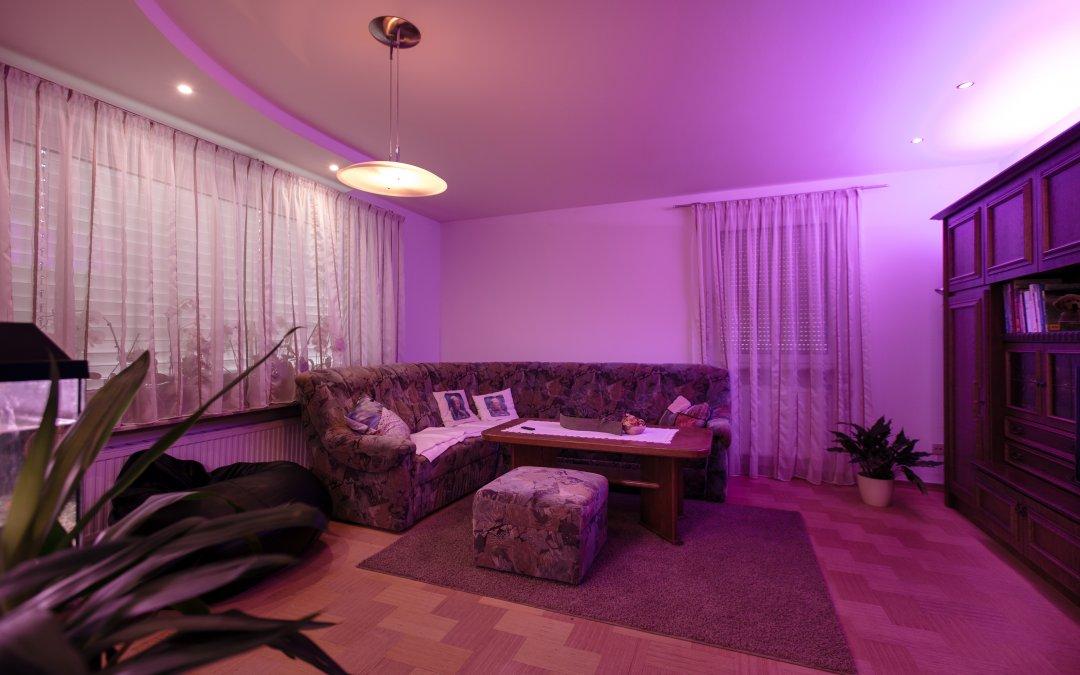 Réaliser un éclairage indirect pour le plafond du salon