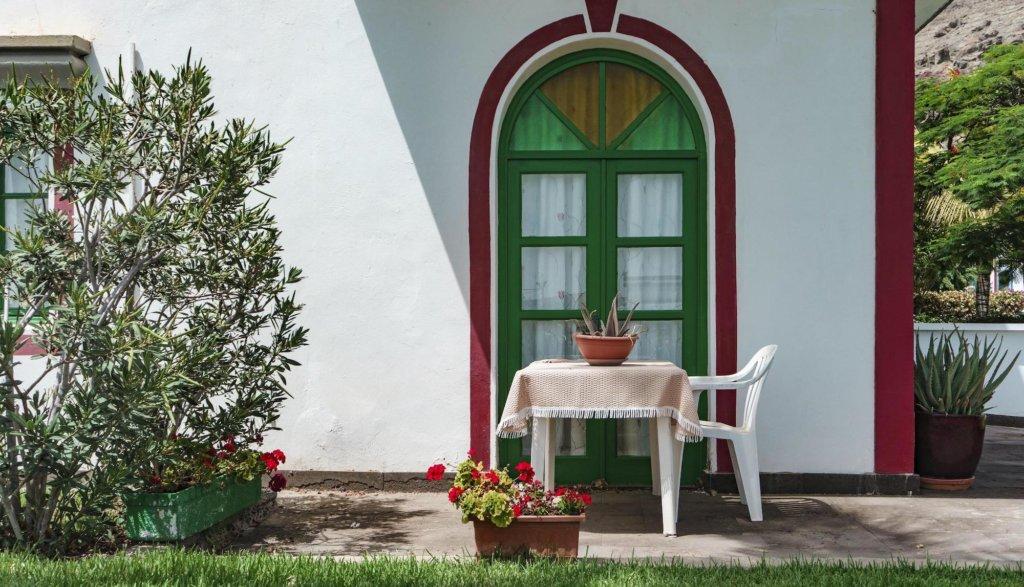 Sécurité et surveillance de la maison pendant les vacances