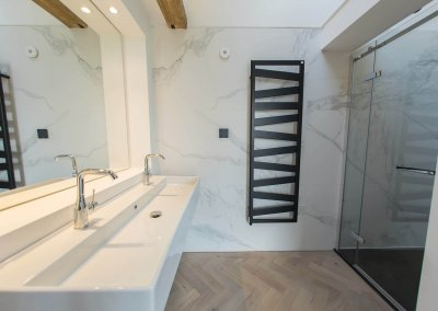 The_Barn_Ensuite_2