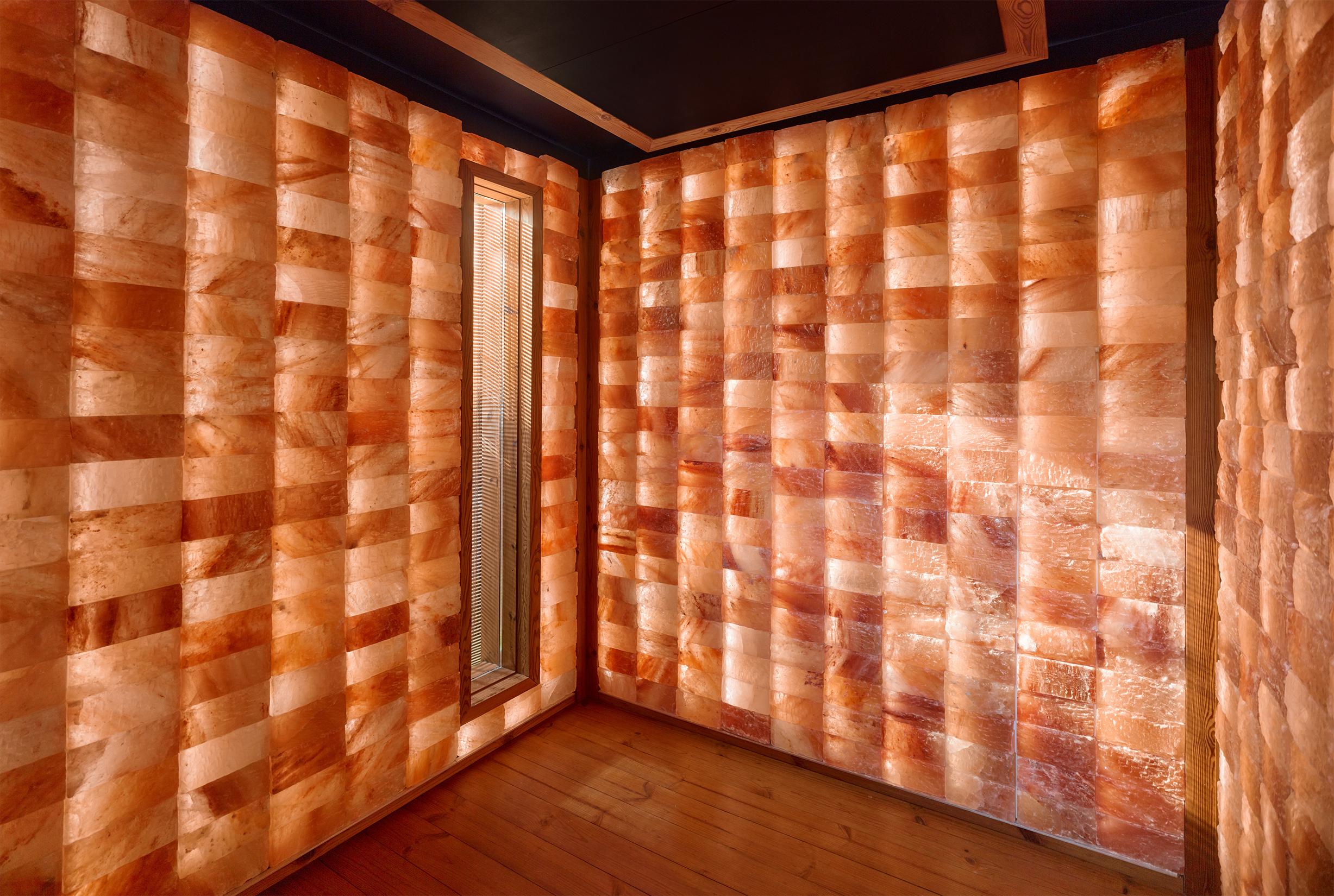 WelPod interior himalayan salt walls