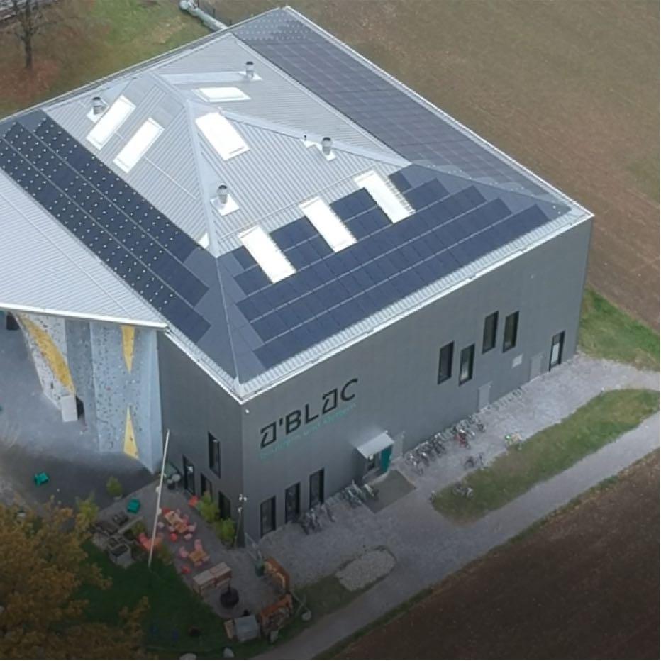 Kletterhalle mit 94 kWh Peak Anlage