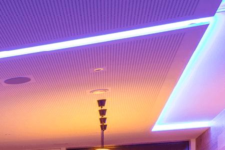 Taśma LED na suficie