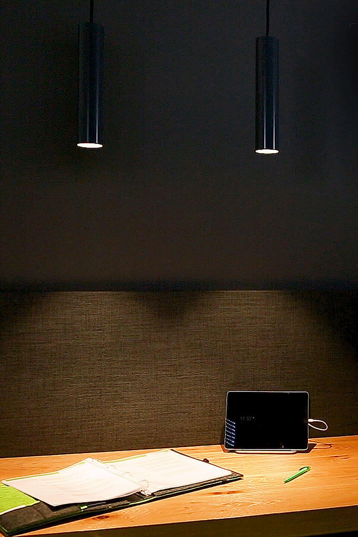 Oświetlony stół